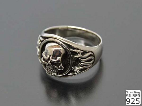 """Ring """"Totenkopf"""""""