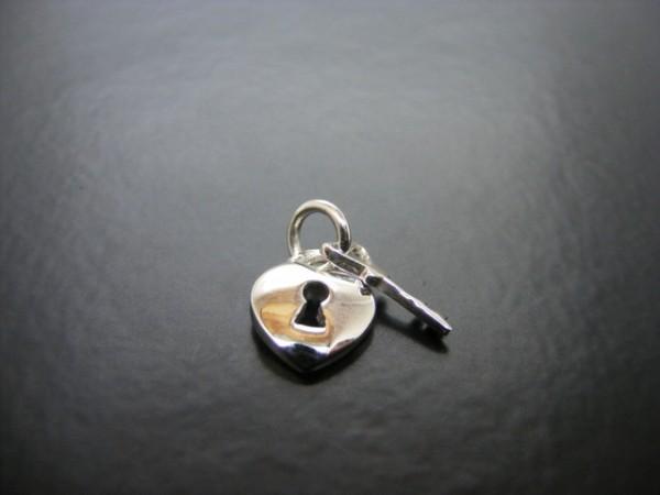 """Anhänger """"Schlüssel mit Herz"""""""