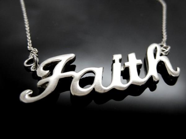 """Kette """"Faith"""""""